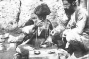عکس | بساط یک عطاری در کنار خیابان در عهد قاجار