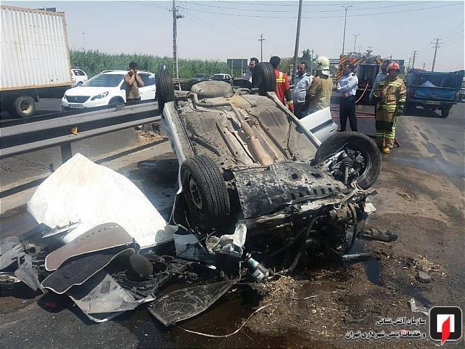 تصاویر | واژگونی پژو پرشیا در جاده ورامین