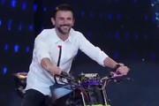 فیلم | موتور سواری امین حیایی در مسابقه «عصرجدید»