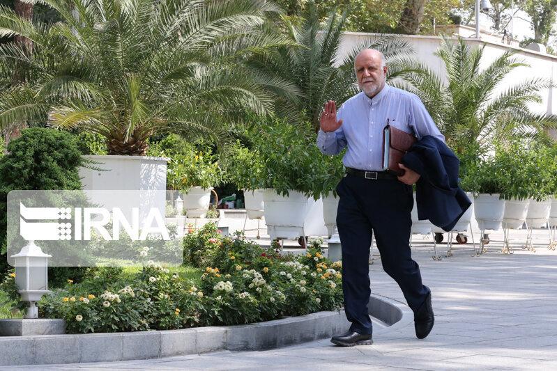 پایگاه خبری آرمان اقتصادی 5215339 چه کسی مسیر نفتکش ایرانی را لو داد؟