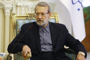 لاریجانی به خبرنگار انبیسی: جای ما بودید با ترامپ مذاکره میکردید؟ /ارتباط پشتپردهای بین ایران و آمریکا نیست/پیام های پمپئو، دلقکبازی است