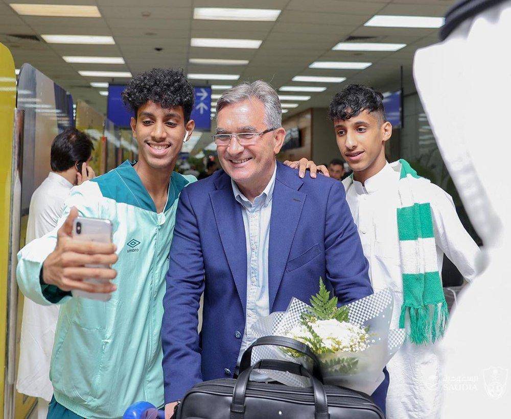 استقبال گرم از پروفسور در عربستان/عکس