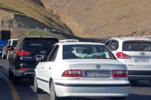 ترافیک در محورهای چالوس و هراز سنگین است