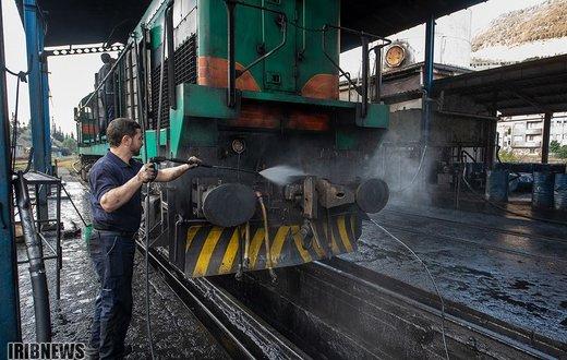 ارادههایی آهنین روی خط آهن