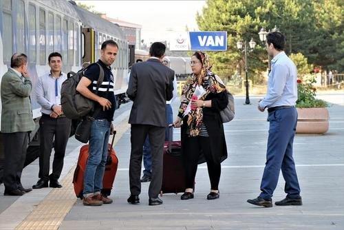 جزییات تعیین نرخ قطار مسافربری تهران-وان | قیمت فعلا ۲۲۵ هزار تومان