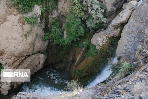 آبتنی در آبشار شلماش