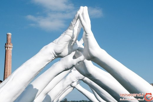 با پل اتحاد ونیز که با شش جفت دست ساخته شده است، آشنا شوید