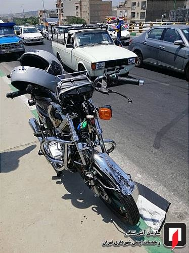 تصادف موتورسیکلت و چهار خودرو در بزرگراه زینالدین