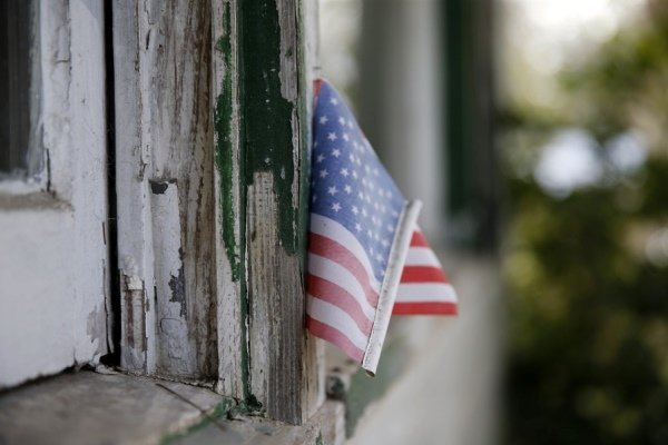 """ایسنا نوشت: سفارت آمریکا در تونس اعلام کرد، """"به دلایل امنیتی"""" تنها امروز (دوشنبه) تعطیل است."""