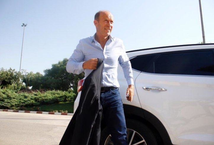 Argentine coach Gabriel Calderón arrives in Iran for Perspolis talks