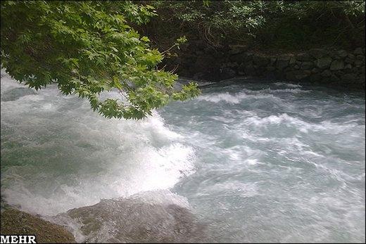رودخانه کرج وحشی شده است/ مردم به هوش باشند