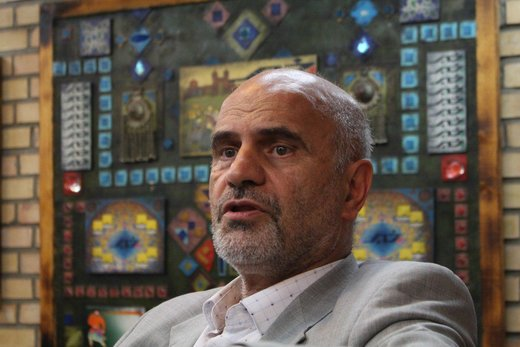 فرشاد مؤمنی: احمدینژاد دولت بعد را گروگان گرفت
