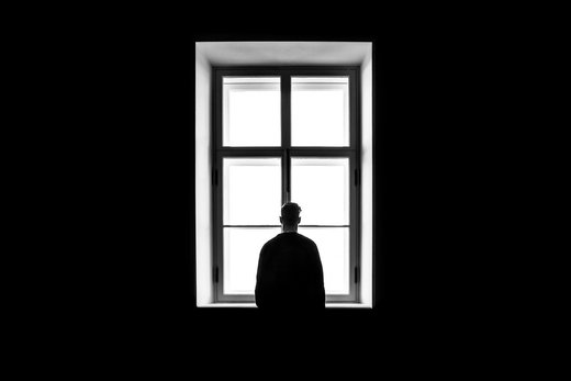 آیا تنهایی مزمن یا شدید حقیقت دارد؟