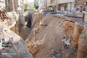 تصاویر | نشست زمین در تبریز و نمایان شدن بنای تاریخی در عمق یک متری از کف خیابان!