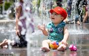 تصاویر | آببازی در گرمای ۴۰ درجه اصفهان