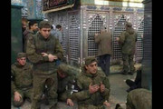 عکس | نماز سربازان روس در حرم حضرت زینب(س)
