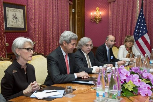 مذاکره کنندگان هستهای اوباما، خطاب به ترامپ: این راه به جنگ ختم میشود/ سفیر سابق انگلیس: لندن طلب ۵۰۰ میلیون دلاری ایران را باید بدهد