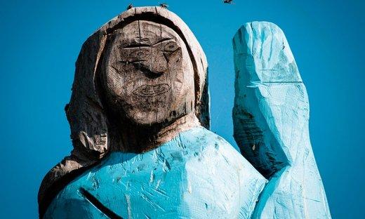 مجسمه چوبی ملانیا ترامپ در اسلوونی