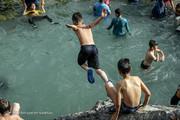 تصاویر | آبتنی در چشمه ۸۰۰۰ ساله تهران