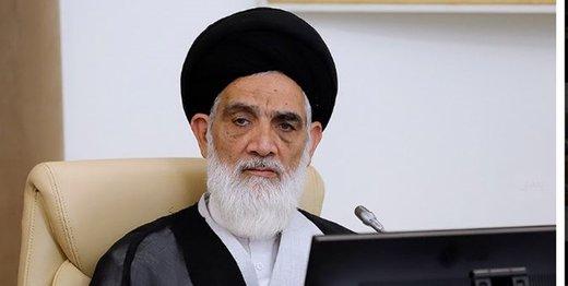 رئیس دیوان عالی از حضور وکلا در دادگاه دفاع کرد