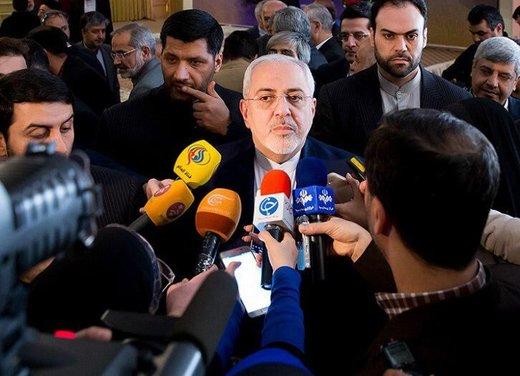 ظريف في تصريح للصحفيين: مستشار الرئيس الفرنسي قدم مقترحا لمنع تصعيد التوتر