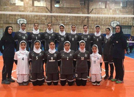 دختران والیبالیست استان چهارمحالوبختیاری در مسابقات کشوری گل کاشتند