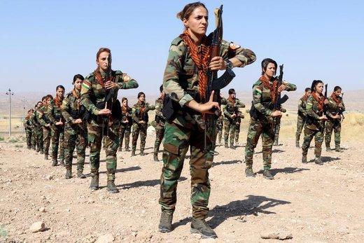 پیوستن یک گروه از زنان کرد به جنگجویان کرد پیشمرگه در شهر اربیل عراق