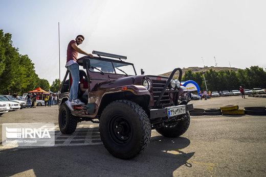 همایش خودروهای کلاسیک و اسپرت در شهرکرد