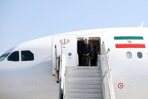 استقبال از روحانی در فرودگاه بجنورد/ تصمیمگیری مهم درباره روند توسعه و رشد استان خراسان شمالی