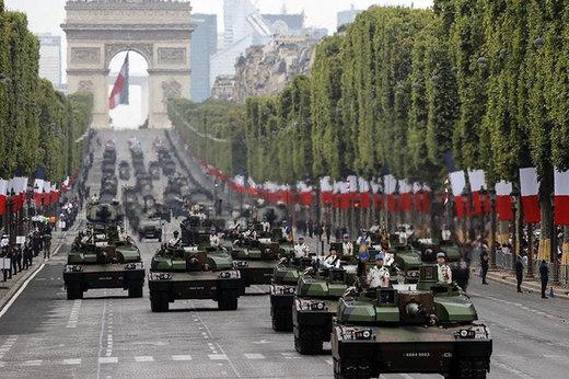 فیلم | جشن روز ملی فرانسه در خیابان شانزهلیزه