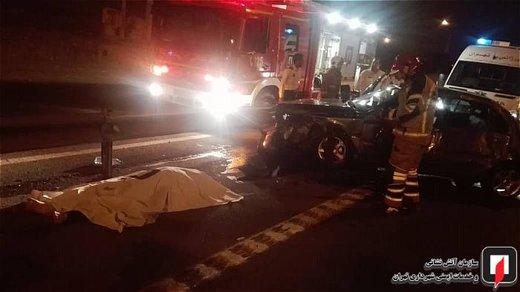 تصادف خودروی سواری با گاردیل در بزرگراه شهید فهمیده