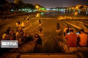 تصاویر | پاتوق شبانه کنار زایندهرود