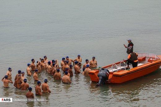 مسابقات «قهرمانی شنای آبهای آزاد» در نوشهر
