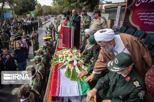 تشییع  پیکر مرحوم امیر سرتیپ احمد ترکان، پدر توپخانه در اصفهان
