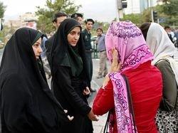 روزنامه اصولگرا: برای برخورد با بدحجابها، باید ارتباط دوستانه برقرار کرد تا موجب تنش نشود