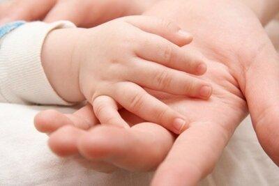 مادران چه تاثیری بر شکلگیری شخصیت فرزند دختر دارند؟