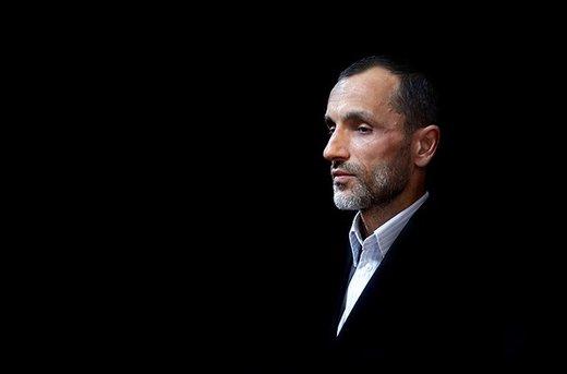 حمید بقایی تصادف کرد +عکس ماشین له شده مشاور احمدی نژاد