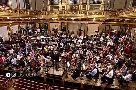 فیلم | دقت و تیز گوشی حیرتانگیز یک رهبر ارکستر