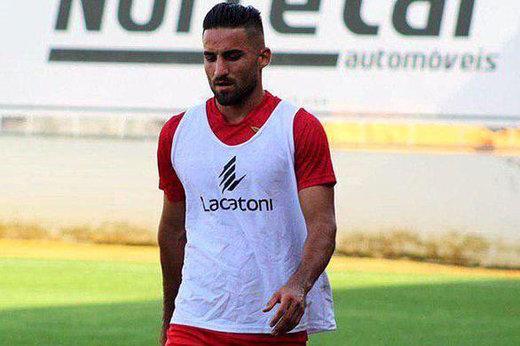 برد آوس در شبی که مهرداد محمدی بهترین بازیکن زمین شد/ عکس