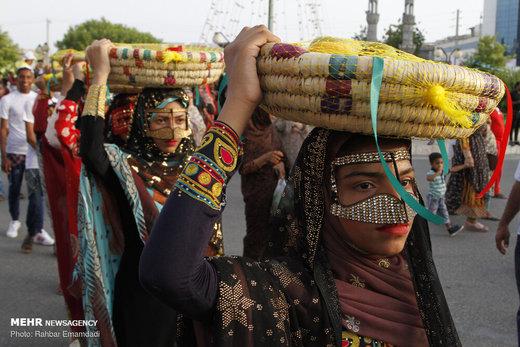 جشنواره شکرگزاری انبه و یاسمین گل در میناب