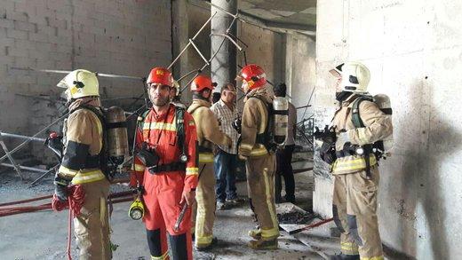 آتش سوزی مجتمع مسکونی در بزرگراه نیایش