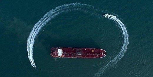 تصاویر دیده نشده از توقیف نفتکش انگلیسی روی آنتن