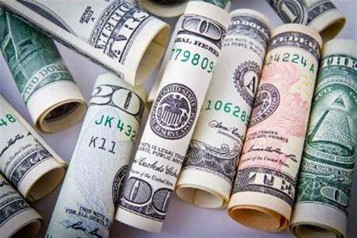 دلار یک قدم جلو آمد/ یورو ۱۲۶۰۰ تومان شد