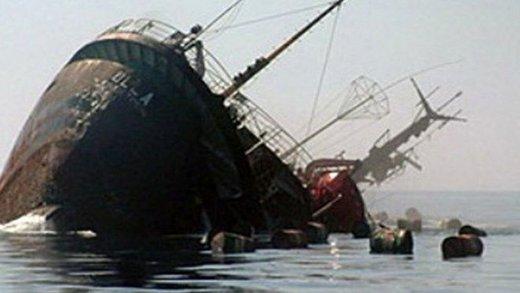 نجات سرنشینان یک کشتی غرق شده ایرانی در آبهای کشور عمان