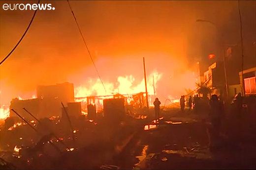 فیلم | آتشی که بیش از ۲۰۰ خانه را در خود سوزاند!