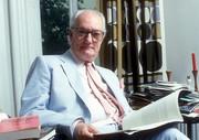 استاد فلسفه و مدیر برنامه معروف تلویزیونی «مردان اندیشه» درگذشت