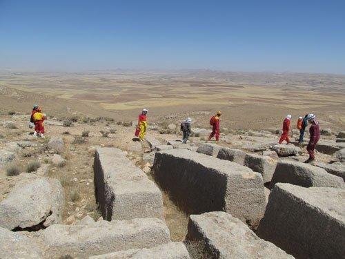 بازمانده  عجیب دستکندههای «فرهاد کوهکن» در غرب ایران