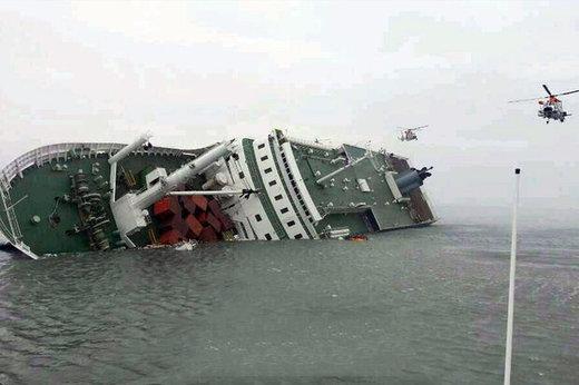فیلم | لحظه غرقشدن کشتی باری ایران در آبهای خزر