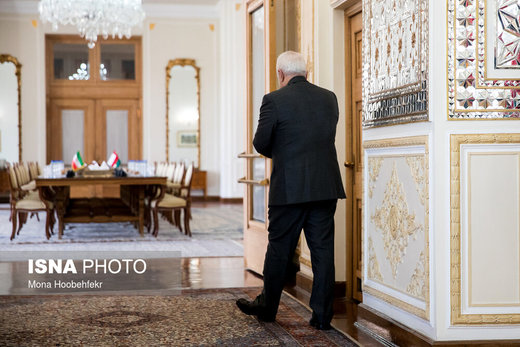 واکنشهای دنبالهدار به تحریم ظریف/ پیشنهاد برای تغییر محل سازمان ملل/ وزیرخارجه ایران حساب میلیاردی در خارج ندارد