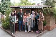 تصاویر | فارسیآموزان خارجی مهمان کافه خبر شدند